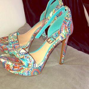 Gianni Bini platform heels !